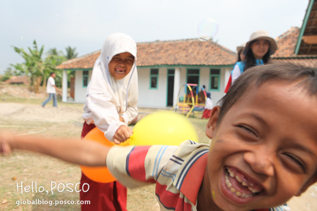 POSCO Spreads Hopes with New Community Movement in Africa and Asia