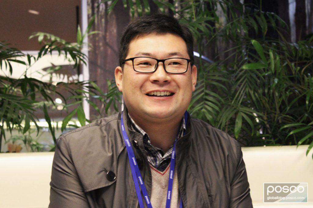 Wang De hui of POSCO China explains CSR work