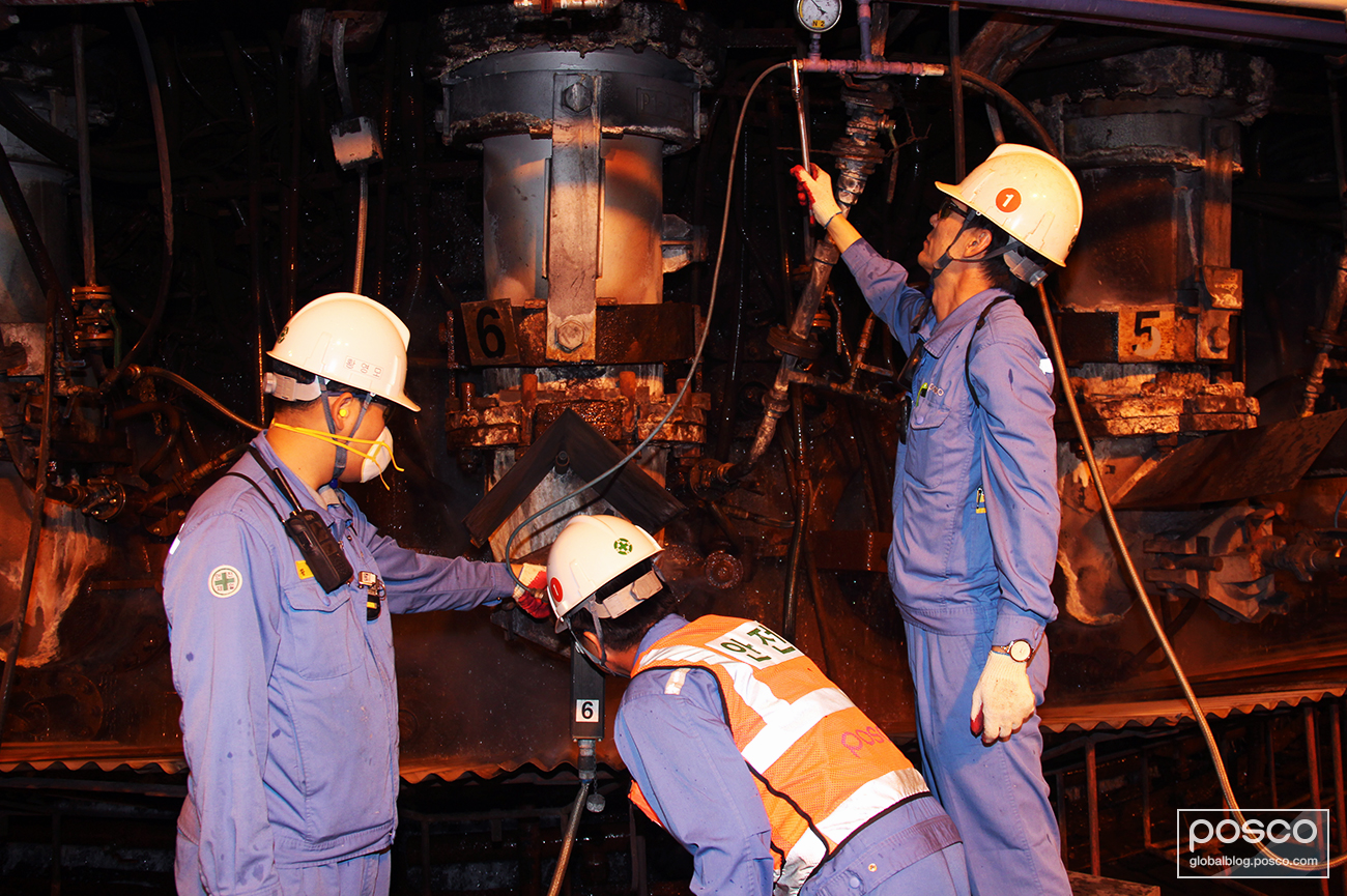 Three members of the Pohang No.1 blast furnace's TFT during maintenance