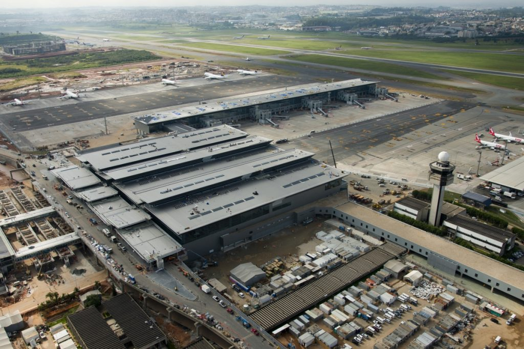 A bird's eye view of Terminal 3 at Guarulhos International Airport.