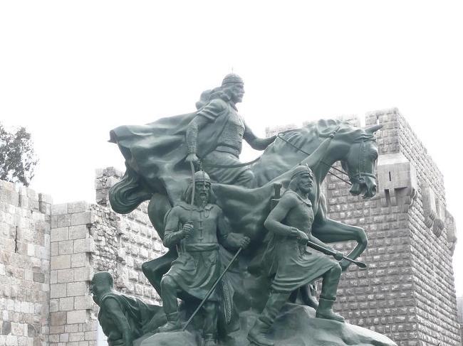 다마스쿠스의 살라딘 동상