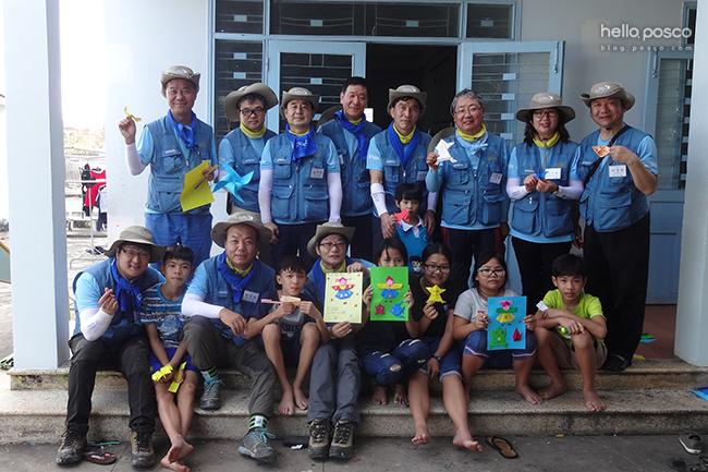 봉사단원 단체사진