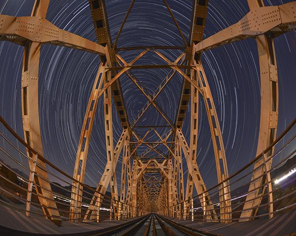 삼랑진 철교의 밤의 모습