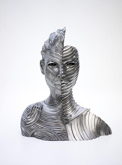 Gil Bruvel /인간의 약점을 변형함으로써 완전한 인간의 모습을 보여주고자 한<My Mirror Remains>