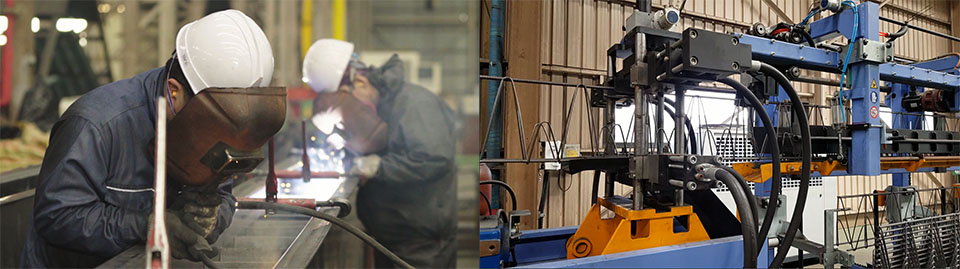 NI스틸 . 일하시는 직원 두분과 기계들이 보인다.