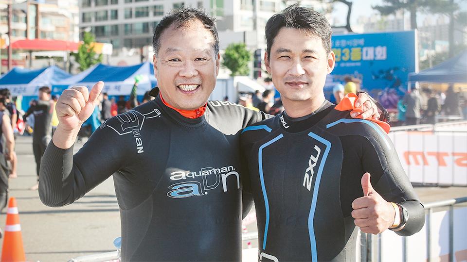철인 3종경기에 참여한 이정훈 리더와 장창성 리더