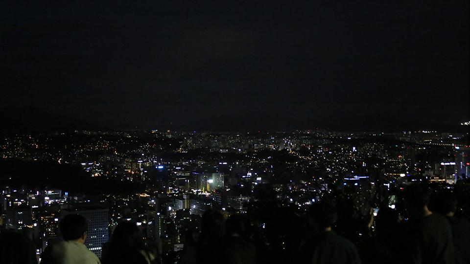 남산서울타워에서 내려다보는 서울 시내 야경