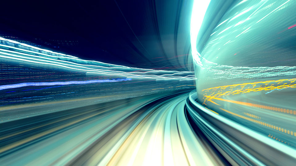 자기장이 굉장히 빠른 속도로 이동하는 느낌의 이미지.