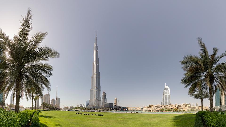 두바이에 있는 세계에서 가장 높은 빌딩 버즈 칼리카 전경.