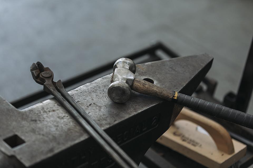 말발굽을 교체할 때 쓰이는 장비들