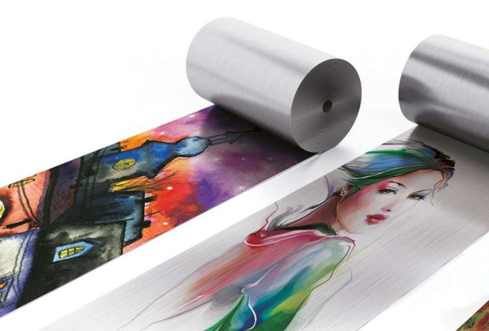 포스아트(PosART)-철로된 2개의 롤에 각각 다양한 컬러의 이미지가 프린트되어 있다