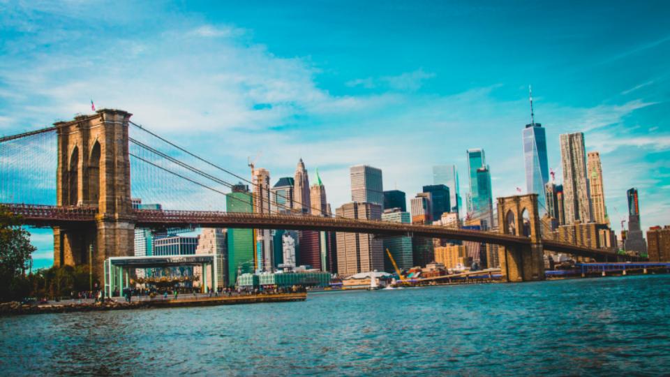 세계 최초 철강 와이어 현수교, 뉴욕 브루클린 다리. 1883년 완공. (출처: Liam Macleod)