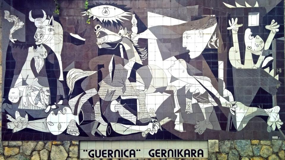 """큐비즘(입체파) 선구자 피카소의 대표작 게르니카(Guernica), (출처: Almundena Sanz Tabernero) """"GUERNICA"""" GERNIKARA"""