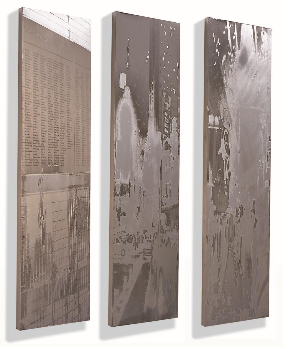 <Alien in...> 2004-2007, 스테인리스스틸에 돋을새김, 110x90cm, Art Bank Collection