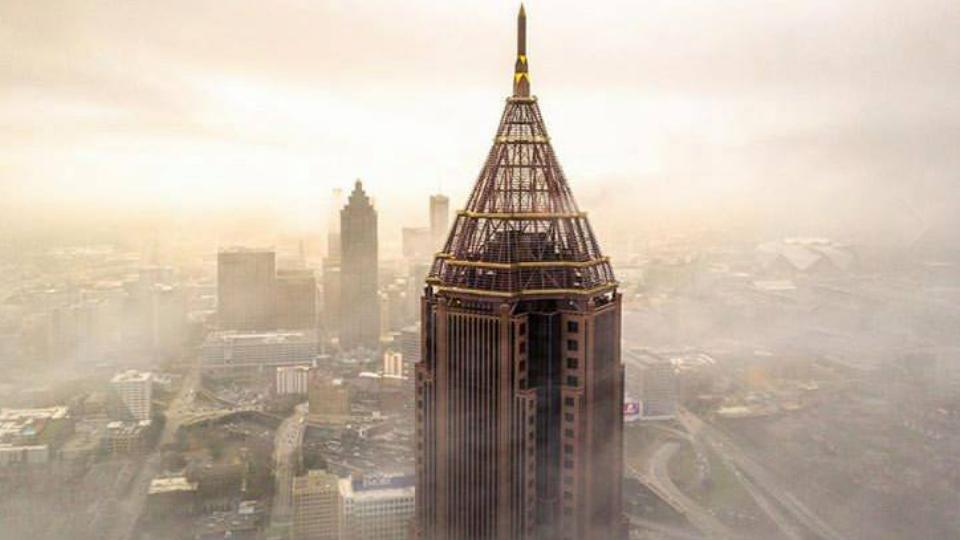뱅크오브아메리카 플라자 첨탑 (출처: e.kassa, 뱅크오브아메리카 플라자)