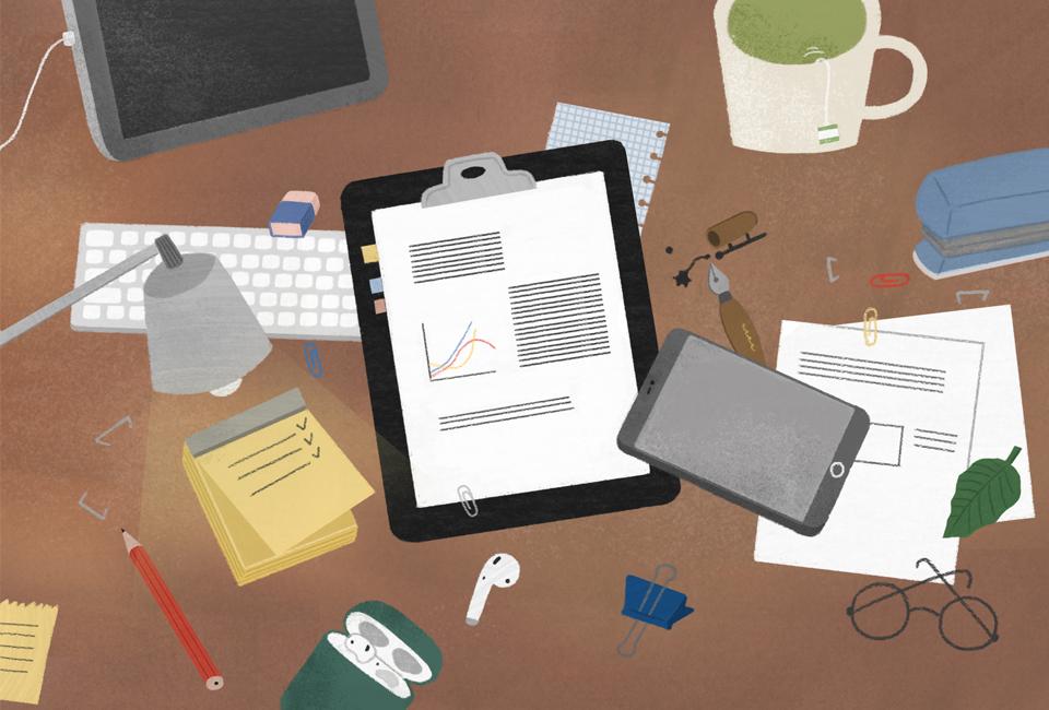 사무실 책상 위의 모습을 그린 그림 태블릿pc 키보드 스탠드 노트 안경 휴대전화 등이 보인다.