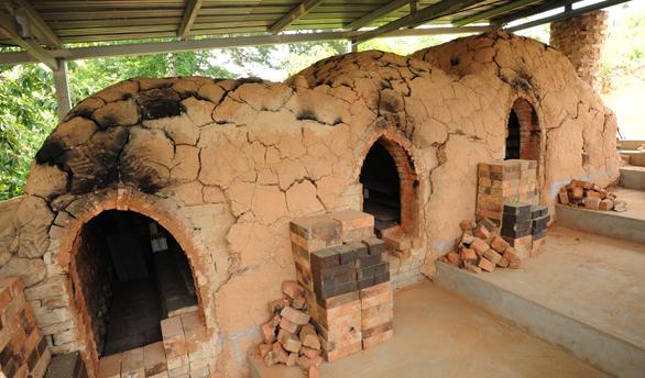 불이 모래를 태우거나 녹이지 못하는 원리를 활용한 도자기 가마