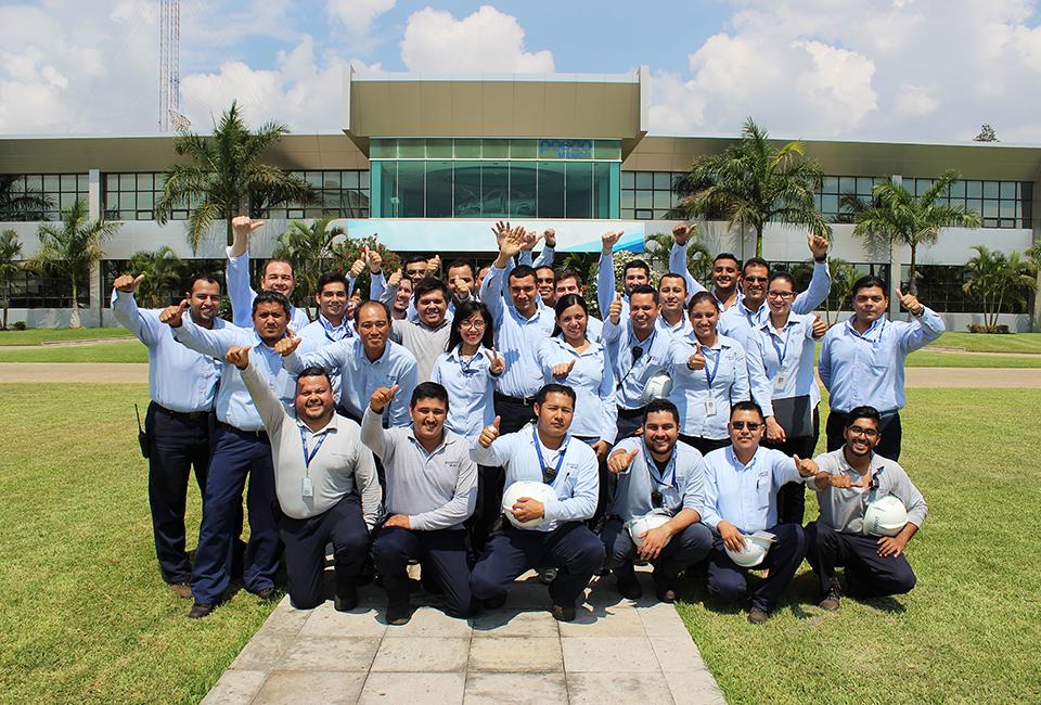 포스코멕시코 현지 직원들 단체 사진